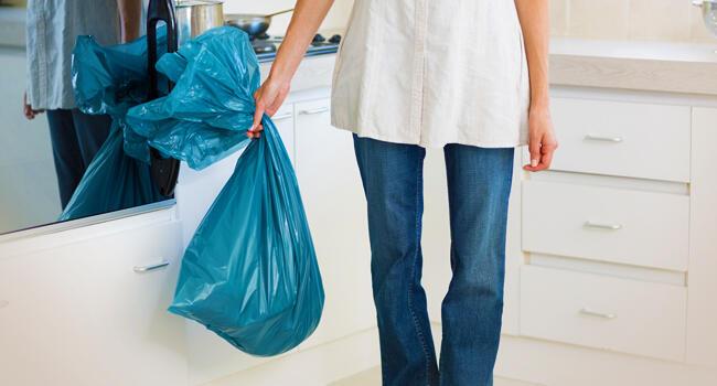 Precisamos estar cientes de que o lixo que produzimos pode se tornar um agente infectante se não for descartado da forma mais adequada.